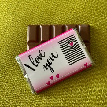 i love you chocolate with pink hearts | medium | chocolate bar| sweetalk